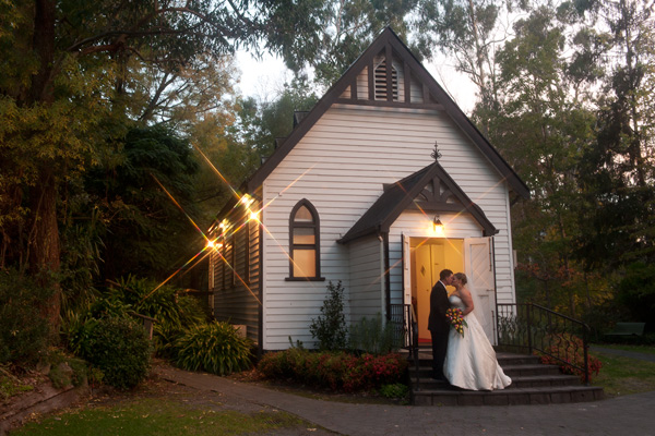 A Melbourne wedding photo of a bride and groom at Chateau Wyuna.